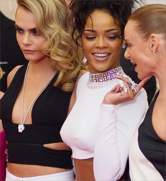 09-celebrities-wearing-chokers-necklaces-instagram-rihanna-cara-delevingne-stella-mccartney-met-gala-diamonds-diamond-choker.jpg