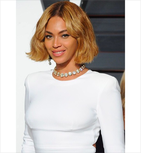 16-celebrities-wearing-chokers-necklaces-instagram-beyonce-queen-bey-diamond-choker-jewelry.jpg