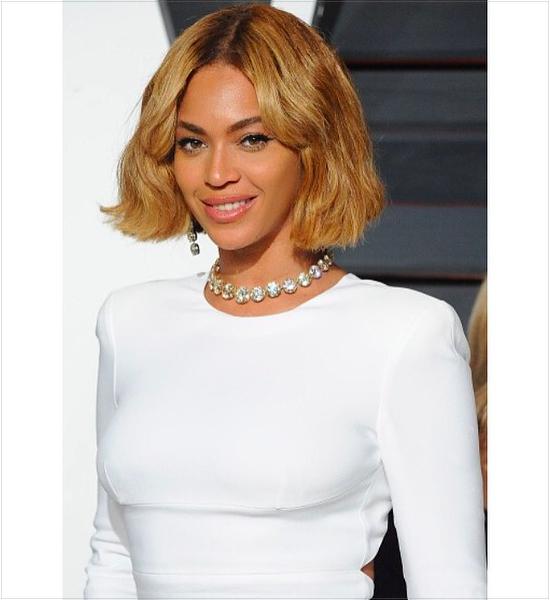 16-celebrities-wearing-chokers-necklaces-instagram-beyonce-queen-bey-diamond-choker-jewelry.jpg