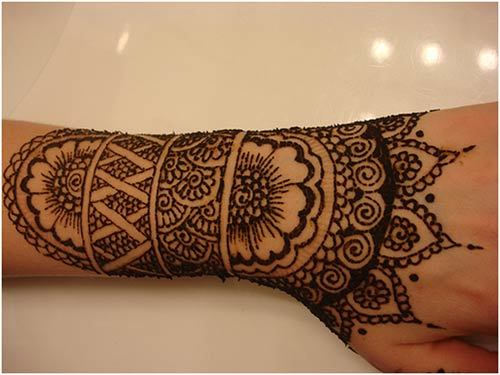 black-mehndi-designs-for-hands1_2.jpg