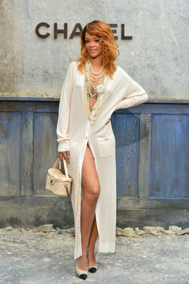rihanna-chanel-2013-fashion-show-in-paris-25.jpg