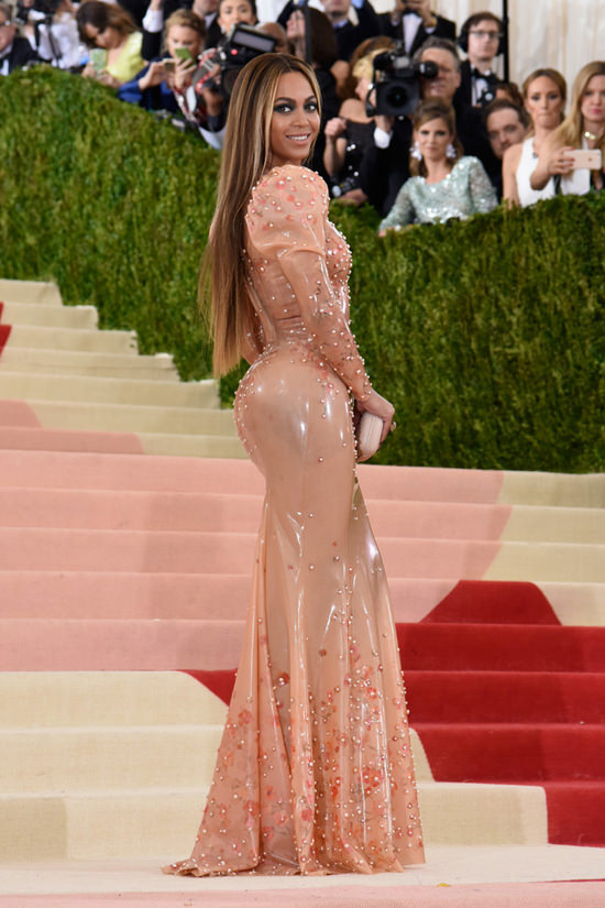 beyonce-met-gala-2016-red-carpet-fashion-givenchy-couture-tom-lorenzo-site-15.jpg