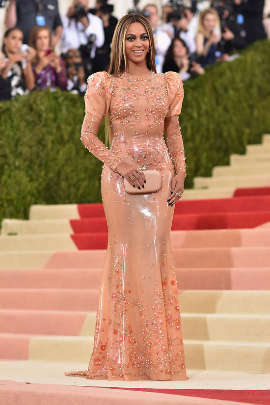 beyonce-met-gala-2016-red-carpet-fashion-givenchy-couture-tom-lorenzo-site-5.jpg