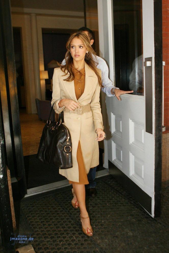 jessica-alba-fashion-26-celebrity-64994_1280_1920_2.jpg