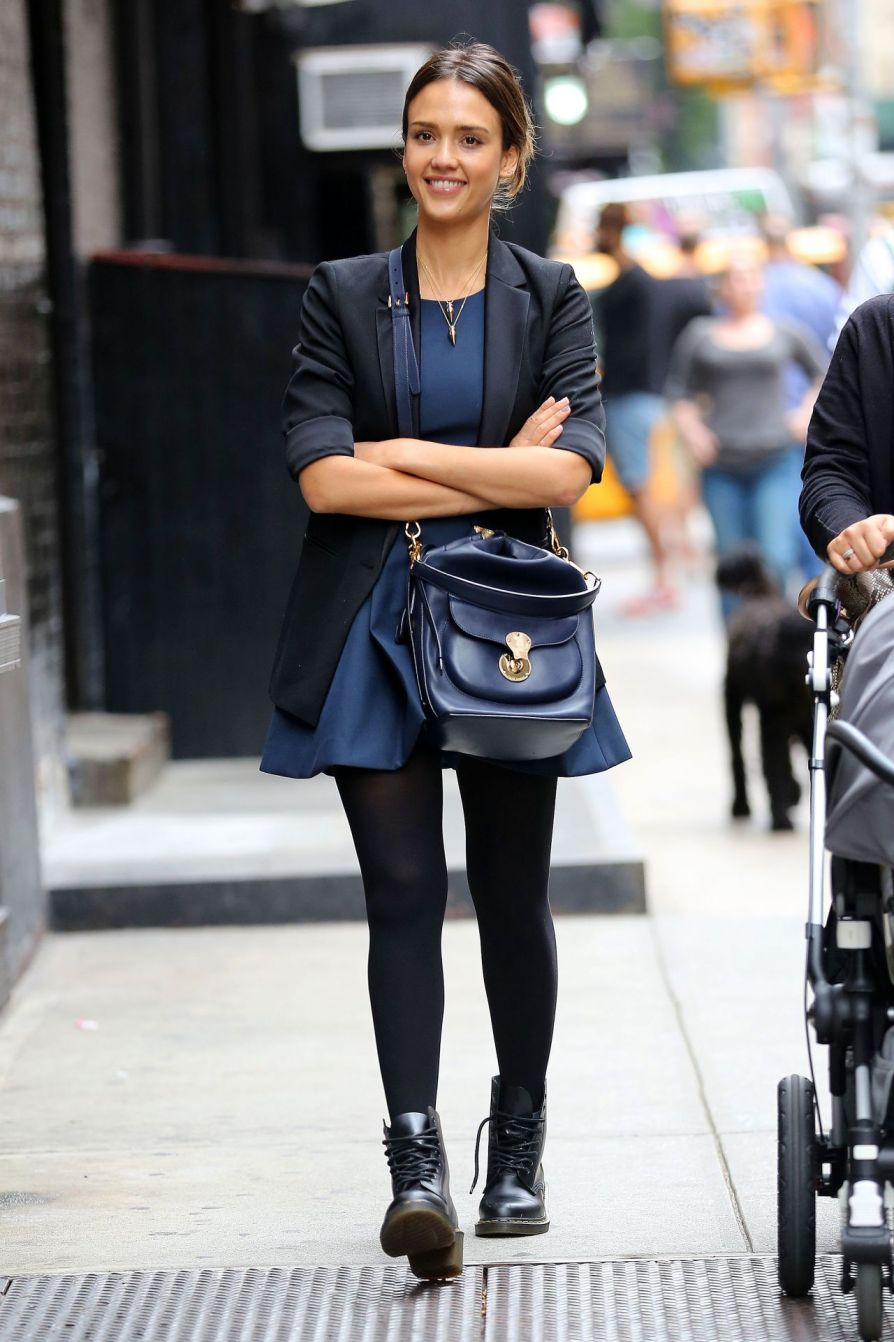 jessica-alba-street-style-2014-out-in-new-york-city-september-_1.jpg