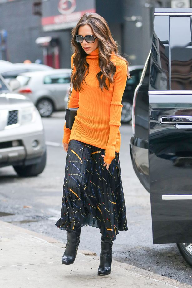victoria-beckham-spotted-in-a-stylish-outfit-while-arriving-to-work-at-her-office-in-chelsea-in-new-york-city.jpg