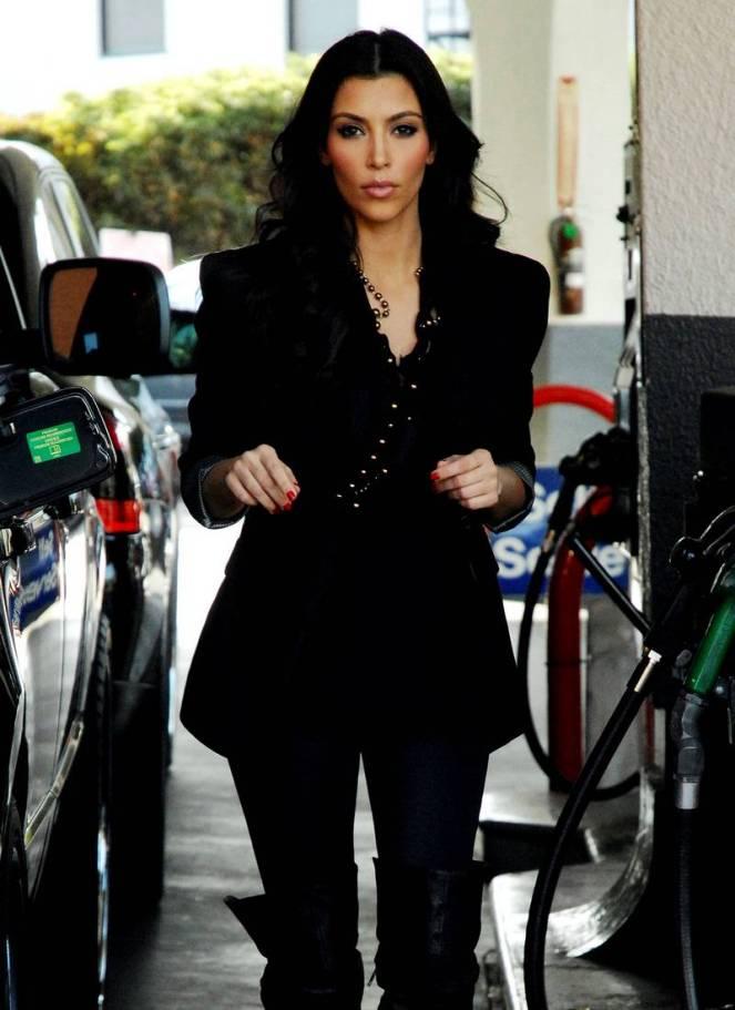 6-kim-kardashian-fashion1.jpg