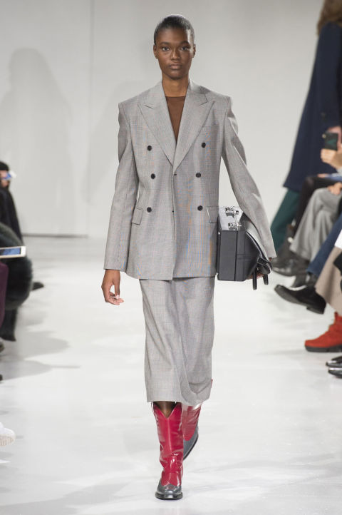 elle-nyfw-fw17-collections-calvin-klein-10-imaxtree.jpg