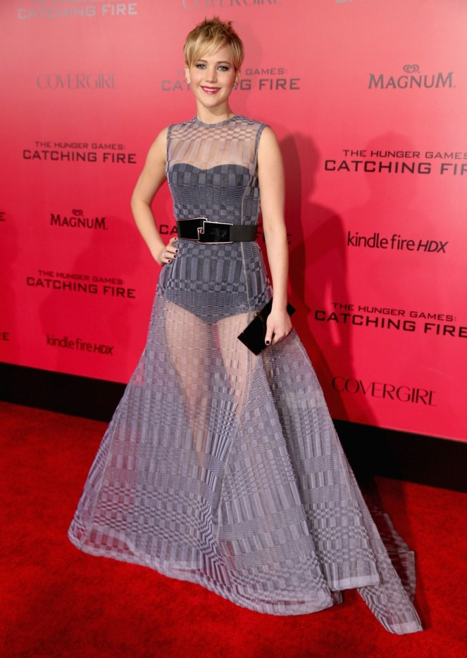 fashion-2016-01-08-jennifer-lawrence-catching-fire-2013-main.jpg