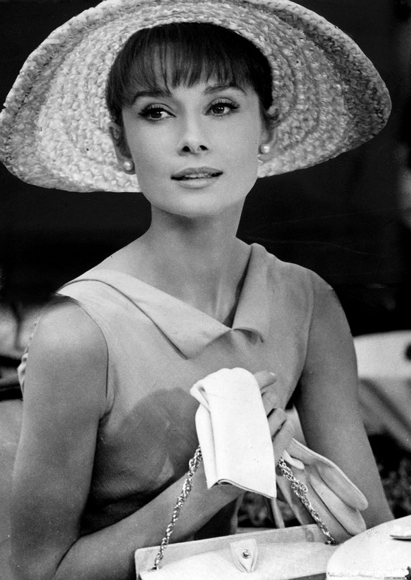 Happy-Birthday-audrey-hepburn-with-hat-and-gloves-and-pearl-studs