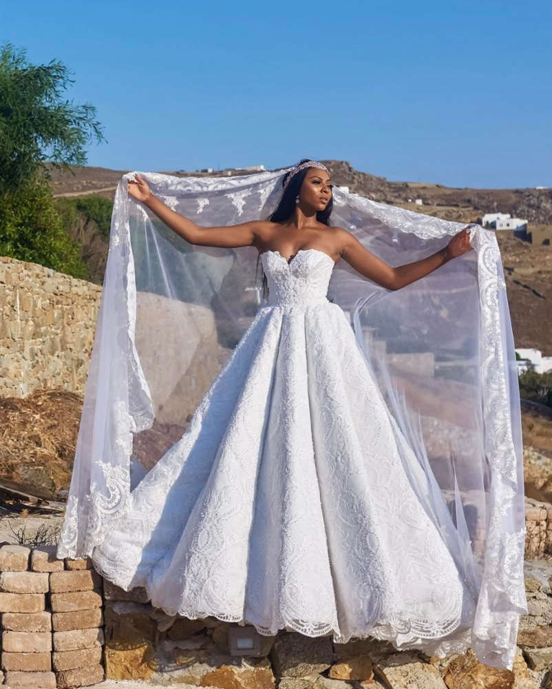 Stephanie-Coker-Aderinokun_s-Wedding-Dress-SOMykonos17-1