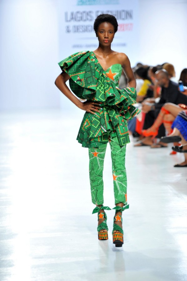 Model-wearing-a-piece-from-the-Africa-Inspired-Fashion-by-Heineken-at-the-Heineken-Lagos-Fashion-And-Design-Week-2017-014-600x901