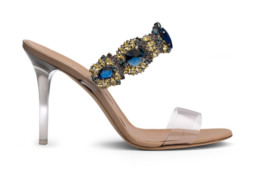 rihanna-manolo-blahnik-so-stoned-shoes-5