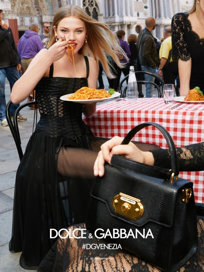 dolce-and-gabbana-summer-2018-woman-advertising-campaign-03-420x560.jpg