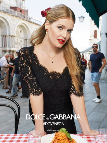 dolce-and-gabbana-summer-2018-woman-advertising-campaign-04-420x560.jpg