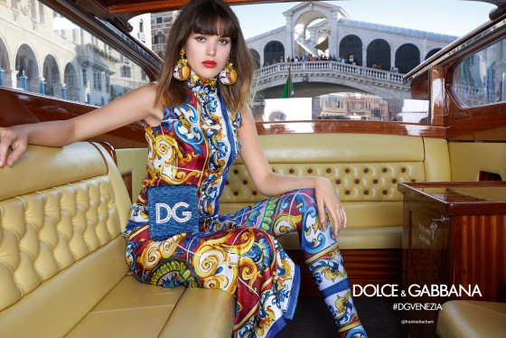 dolce-and-gabbana-summer-2018-woman-advertising-campaign-12-560x374.jpg