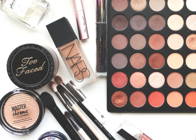 makeup-palette.png