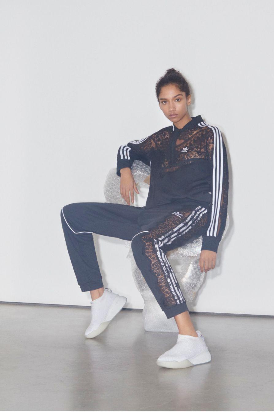 SMC_AW18_Adidas_Stellas-World_article_portrait_1.jpg